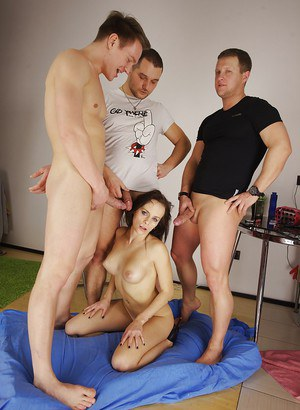 Amateur Olivia Catwoman taking hardcore double and triple penetrations