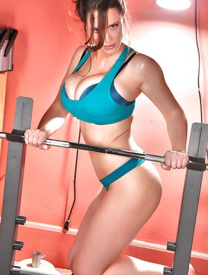 Non nude buxom babe model from Europe Lana Kendrick working out