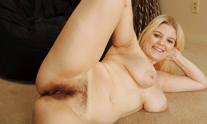 Naturally busty MILF Prudence Pond showcasing her mature rack