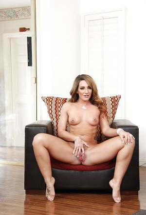 Girl next door Savannah Fox flashes lovely ass and nice trimmed cunt