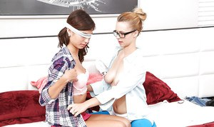 Older and younger lesbians kissing and eating pussy in glasses