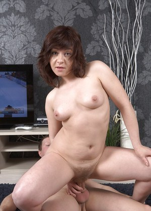 Chubby first timer Jessy masturbating hairy pussy while giving a blowjob