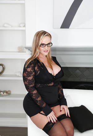 Blonde BBW in glasses Naughty Alysha unleashing her big breasts