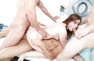 Jodi Taylor struggles with taking a cock into her pussy and ass