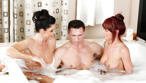 Sexy MILF threeway in bathtub with hot moms India Summer and Rahyndee James
