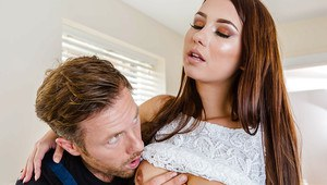 Pretty housewife Taylor Sands getting fucked by the repairman