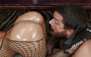 Sultry MILF pornstar Rachel Starr having her bent over asshole rimmed