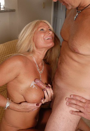 Big tit blonde MILF Roxy enjoying an ass eating and a cumshot