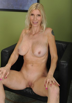 Big tit blonde mommy Cameo spreading her shaved cunt wide open