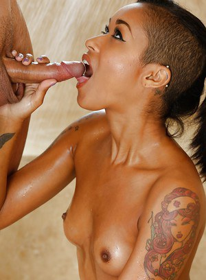 Hardcore Ebony slut Skin Diamond giving a big cock a wet blowjob