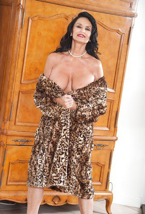 Senior Dating Site for the Over 40s in the UK  Quick and