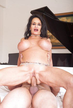 Granny Rita Daniels having her shaved vagina ate out by younger stud