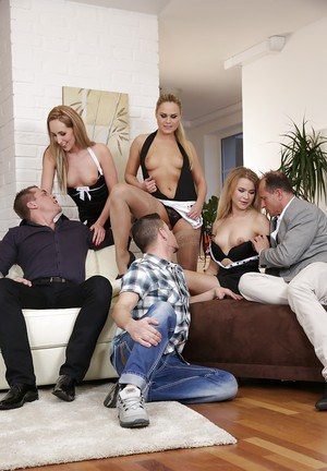 Swingers Jenny Simons, Barra Brass and Angel Diamonds suck cock and pussy