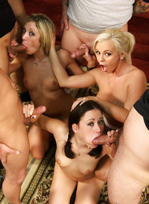 Swingers Amy Brooke, Sindee Jennings and Bree Olson eat cunt and give bjs