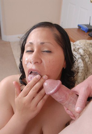 Mature BBW Teedra is strip naked for cum dumping on whorish face