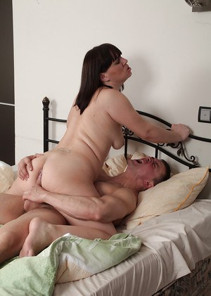 Chubby older lady Belta receiving cunt licking and ass fucking