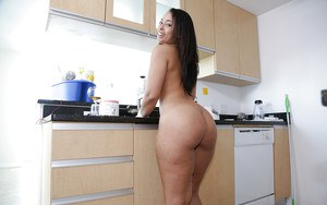 Latina housewife Ava Sanchez pulls down her pants to expose her big booty