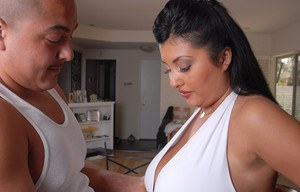 Busty plumper Jaylene having her fun bags fondled and suckled