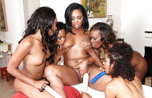 Daisy chain black dykes Tori Taylor, Bella Doll and Layton Benton eat pussy