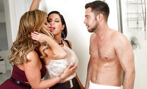 Wild and crazy 3some sex and cum eating with Eva Notty and Veronica Avluv