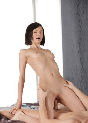 Close ups of young and skinny brunette Arian planting shaved cunt on cock