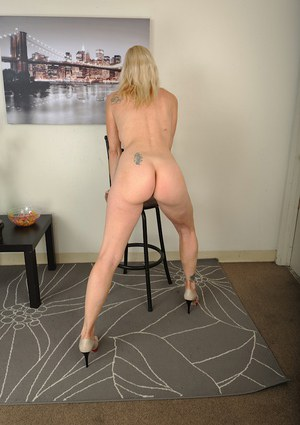 Tall blonde lady Cameo undressing for nude older woman photo shoot