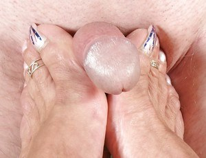 Older European broad Lady Sarah using sex toy on bald pussy
