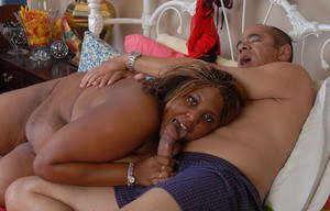 Obese black fatty Minxx eating jizz after cumshot on shaved pussy
