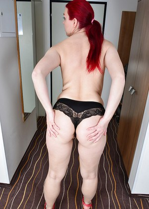 Older Euro lady Corazon Del Angel showing off legs and butt cheeks