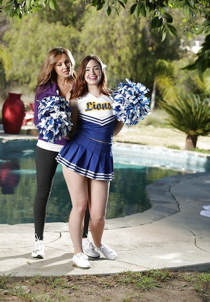 MILF Julia Ann and teen cheerleader Jodi Taylor have lesbian sex outdoors
