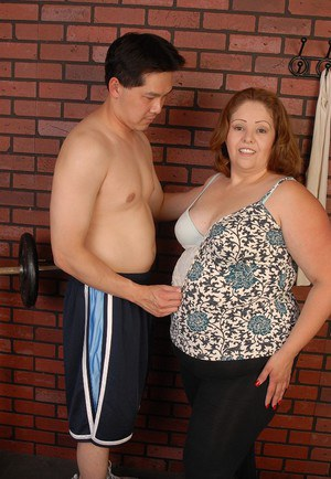 Obese granny Cyn undresses after workout session to suck dick instead