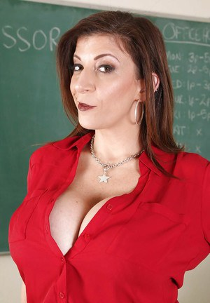 Bosomy MILF teacher Sara Jay undressing for lingerie photo shoot