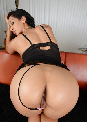 Leggy Latina MILF Isis Love showing off pussy and anus up close