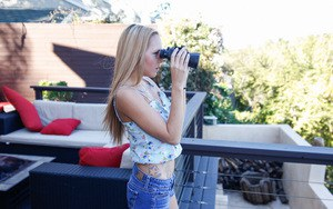 Blonde first timer Hollie Mack undressing for nude photos outdoors