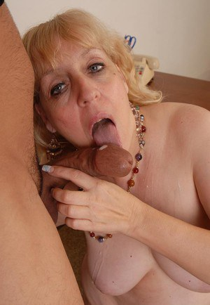 Aged fatty Anne taking cumshot on tongue after fat ass fucking