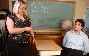 Fat schoolteacher Tawni taking doggystyle fucking over desk at school