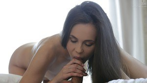 Beautiful Euro girlfriend Abril Gerald wakes boyfriend up with a blowjob