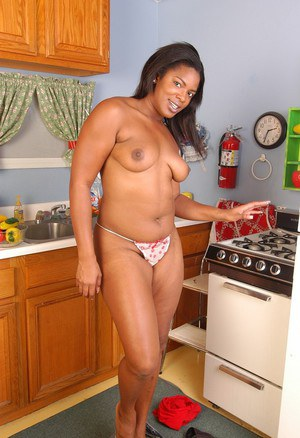 Ebony plumper Annabelle showing off all natural black MILF tits