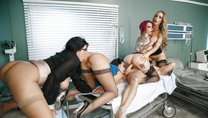 Anna Bell Peaks, Nicole Aniston, Rachel Starr and Romi Rain blow big cock