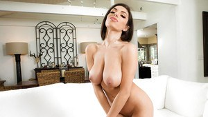 Solo girl Darcie Dolce and her big boobs make for the perfect girlfriend
