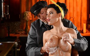 Vintage housewife Peta Jensen has big soapy tits fondled by repairman