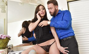 Hot brunette wife Gracie Glam giving blowjob in stockings for cum on tits