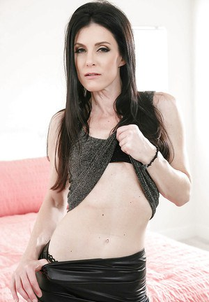 MILF solo girl India Summer unveils tiny tits and ass before masturbating