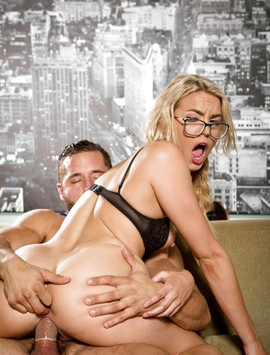 Blonde pornstar Keira Nicole receiving hardcore fucking of hairy pussy