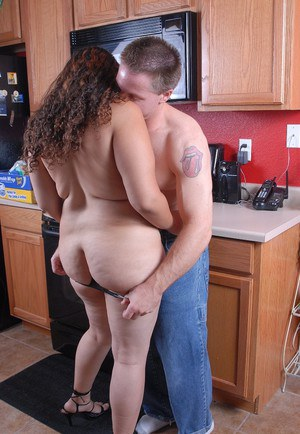 Older chubby Mercedez giving blowjob in kitchen for jizz on face