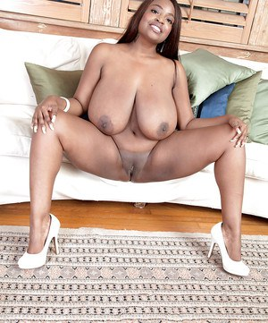 Flabby ass black bred milf