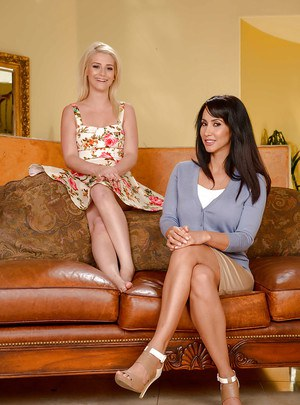 Blonde and brunette moms Aubrey Gold and Isis Love spread after undressing