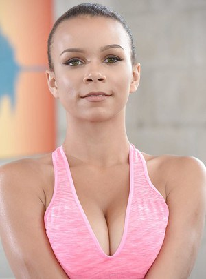 Fit solo girl Raven Redmond lets big natural tits free from sports bra