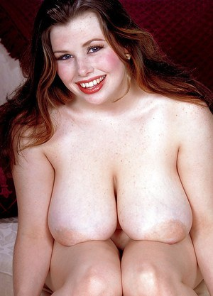 BBW pornstar with big saggy boobs unveils shaved pussy after undressing