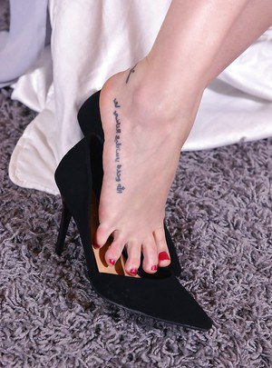 Euro dykes Aida Sweet and Madlin show off sexy legs before toe sucking